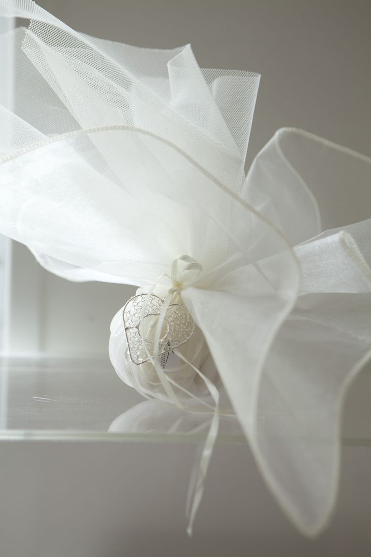 French tulle with sweet dragies for wedding favor