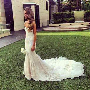 Lace trumpet/mermaid wedding dress