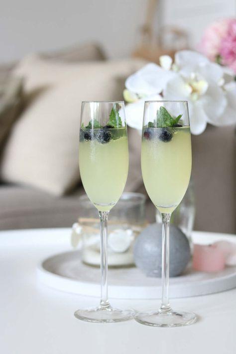 limoncello cocktail met prosecco en spa rood lemon