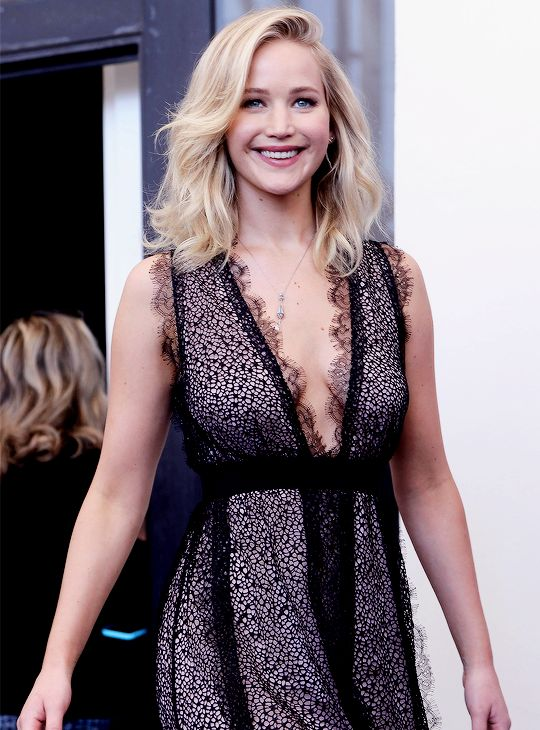 Jennifer Lawrence attends the 'Mother!' photocall during the 74th Venice Film Festival on September 5, 2017 in Venice, Italy