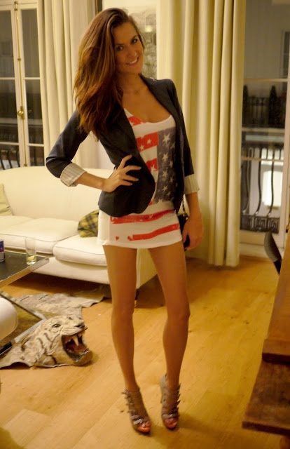 4th Of July Outfit There Is A Dead Tiger On Her Floor