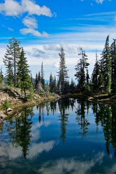 Snow Lakes Trail in Klamath Falls, Oregon has vivid and awesome views.