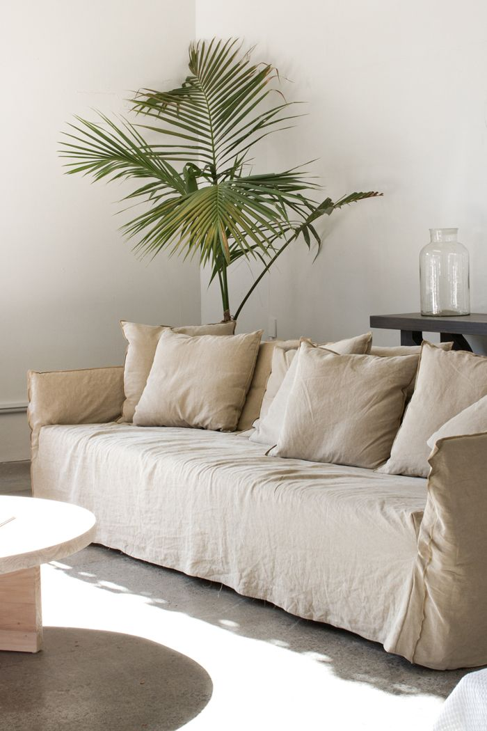 Best 20 linen sofa ideas on pinterest for Interior designs blogs