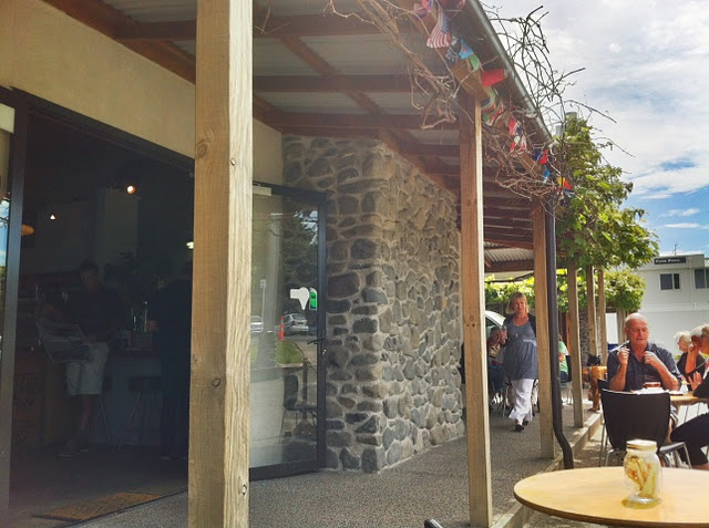 Hawthorne's in Havelock North has fast internet and is dedicated to quality coffee. Stay a while.