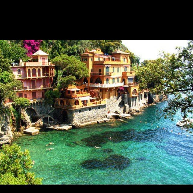 Italy... Paraggi. La playa mas linda donde he nadado. Feliz