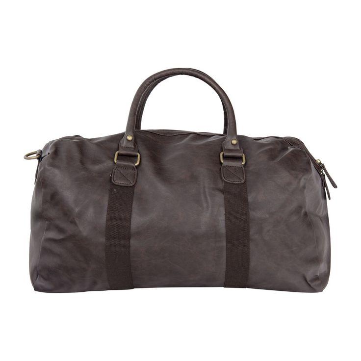 Een grote tas is altijd handig op vakantie. En deze reistas in leather look ziet er ook nog eens leuk uit,  én is waterafstotend! Daar kan je dus eenvoudig je kleding in vervoeren.