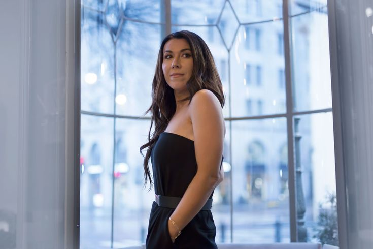 Delila Nevala Fashion blog, New year's eve, holiday, black jumpsuit