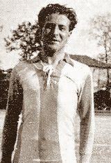Camilo Moniz foi um dos primeiros futebolistas a vestir a camisola do Futebol Clube do Porto. Representou os Dragões entre os anos de 1908 e 1923 e dessa forma, ajudou a conquistar a primeira taça do F.C. Porto na temporada de 1912/13, a Taça Clube União do Norte, que para além dos portistas era também disputada por Leixões S.C., Boavista F.C. e S.C. Salgueiros. Venceu ainda por duas vezes a Taça Associação de Futebol do Porto, conquistou por oito ocasiões o Campeonato do Porto e foi…
