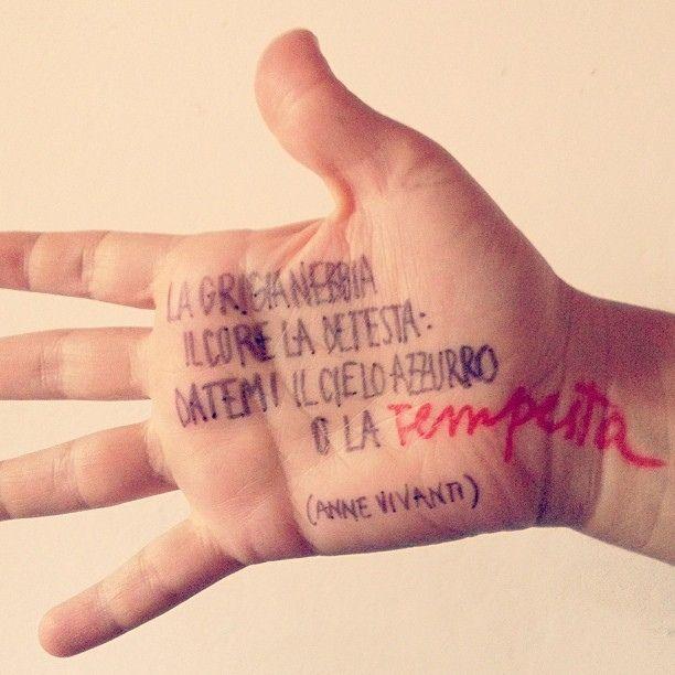Poesie scritte in mano (da una poesia di Annie Vivanti)