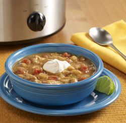 Slow Cooker White Chicken Chili..looks creamy good, gonna try this..15 min prep and forget it...yum