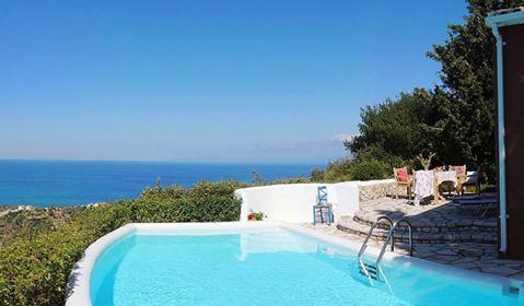 The idyllic location of Agios Nikitas Villas