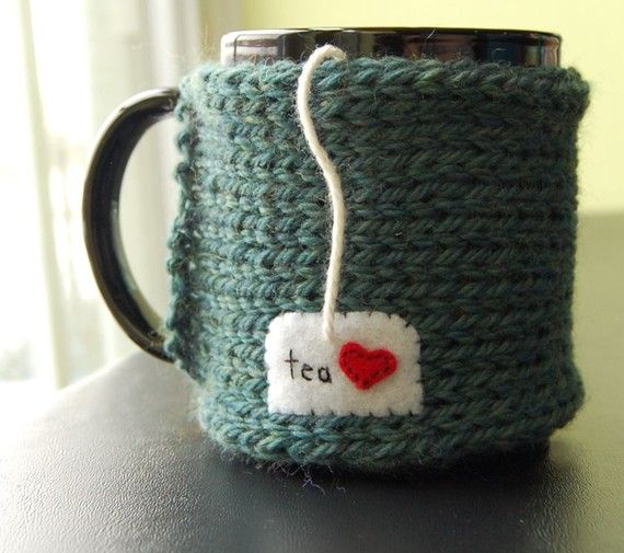 tea mug cozy.  Check to see if this is a pic or if there are instructions...