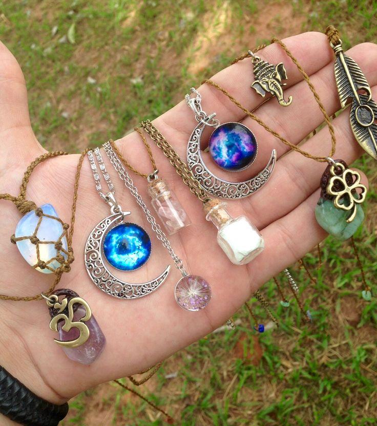Colares e Amuletos da Sorte! Tem na Hippie Artesanatos <3
