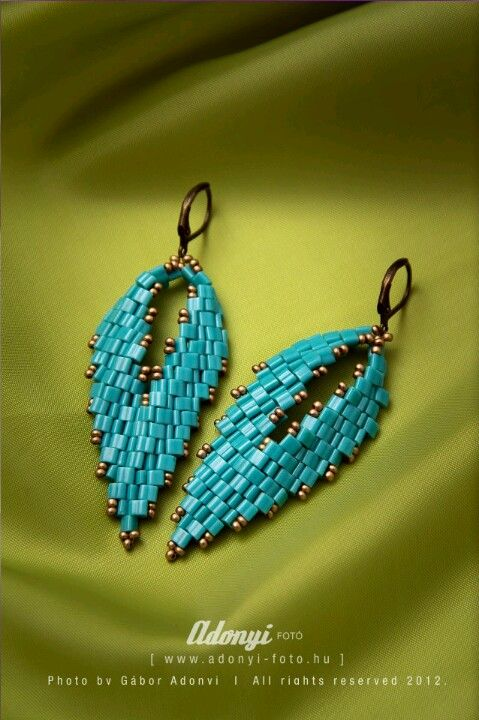 Turquise toho triangle and gold seed beads ir Russian leaf earrings