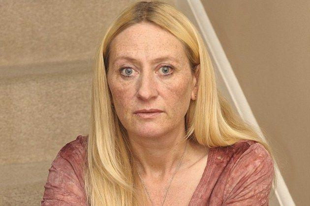 Michelle Rumsey, o britanică de 46 de ani, a crezut că prin diete de slăbit va avea mai multă încredere în sine. Acum mai are de trăit doar 10 ani. http://cure-de-slabire.info/diete