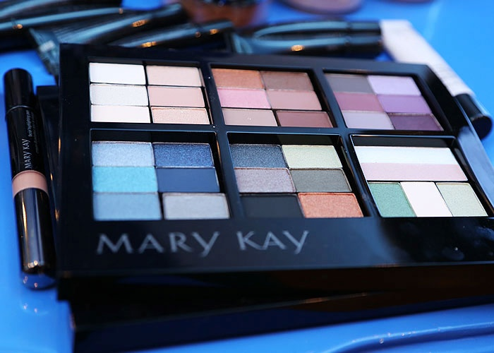 Mary Kay Mineral Eye Color.  Long-lasting, fade-resistant, mineral-based formula delivers weightless, high-impact color in one swipe with a natural, luminous finish that looks gorgeous on any skin tone.