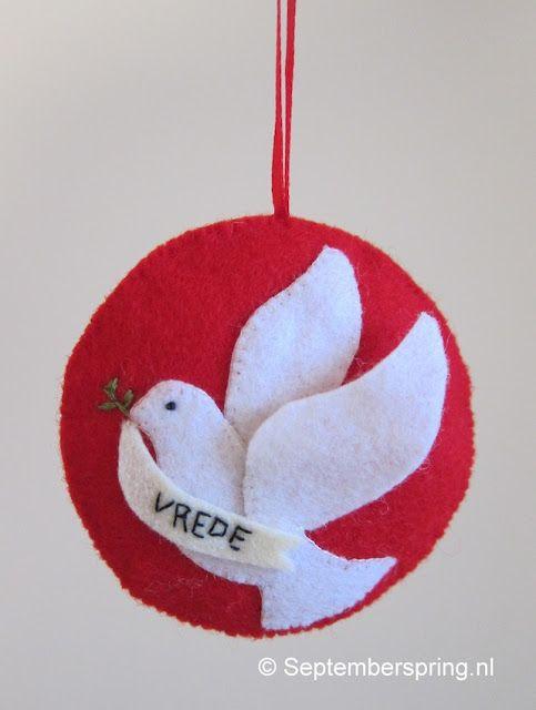 Kijk wat ik gevonden heb op Freubelweb.nl: een gratis werkbeschrijving van Septemberspring om deze mooie vredesduif te maken https://www.freubelweb.nl/freubel-zelf/zelf-maken-met-vilt-duif/