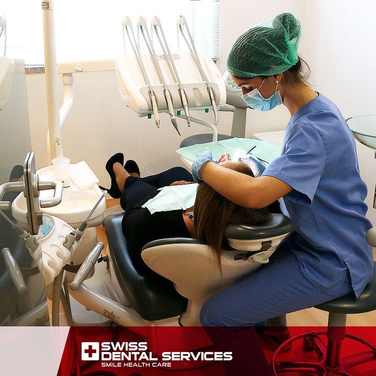 Saviez-vous que nous avons résolu plus de 25 000 cas grâce au placement d'implants dentaires au cours des 5 dernières années?  Nous sommes un choix sûr dans les traitements Réhabilitation orale avancée, parce que nous travaillons seulement avec des professionnels compétents, prêts à vous faire sourire à nouveau!  Programmer votre consultation d'évaluation gratuitement et faites nous connaissance.
