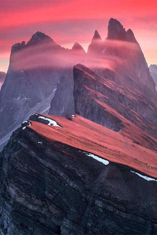 Sunrise in Dolomites, Italy ♥ Seguici su www.reflex-mania.com