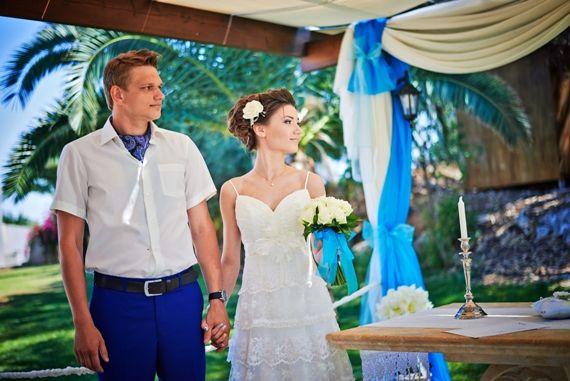 Свадьба на Кипре в садах пророка Ильи.