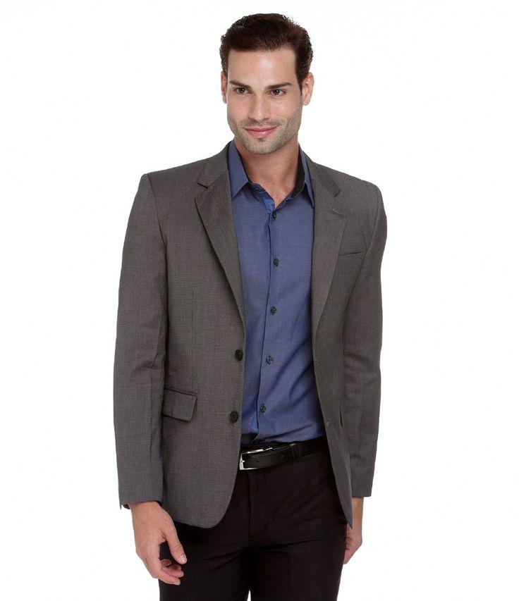 Blazer masculino  Básico  Com forro  Marca: Preston Field  Tecido: Poliviscose  Composição: 77% poliéster e 23% viscose.   Composição do forro: 100% poliéster.    Modelo veste tamanho: 46       Veja outras opções de    blazers masculinos.