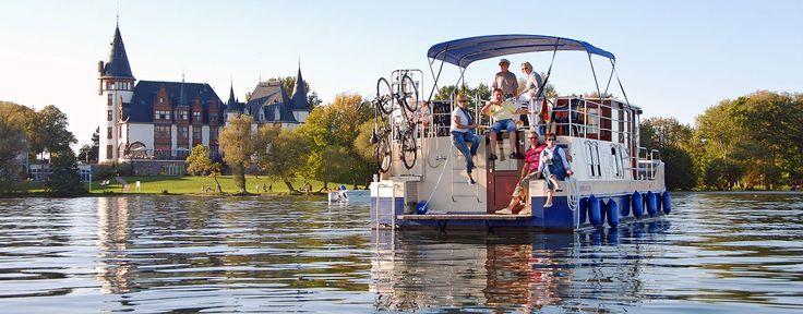 Hausboote und Motoryachten