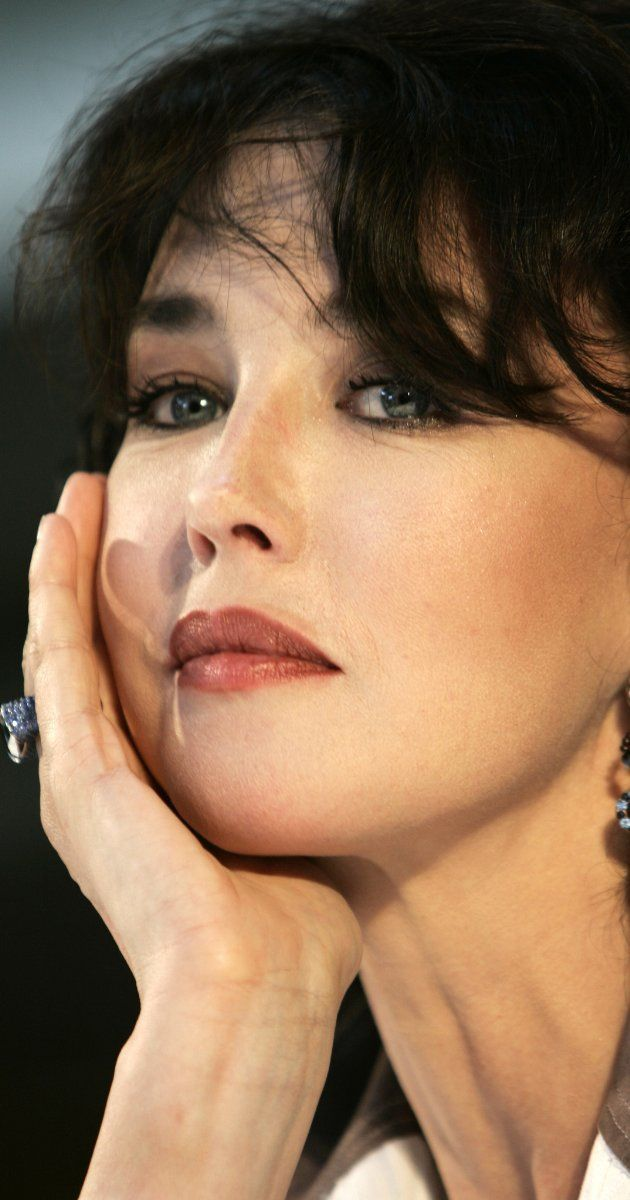 Isabelle Adjani photos, including production stills, premiere photos and other event photos, publicity photos, behind-the-scenes, and more.