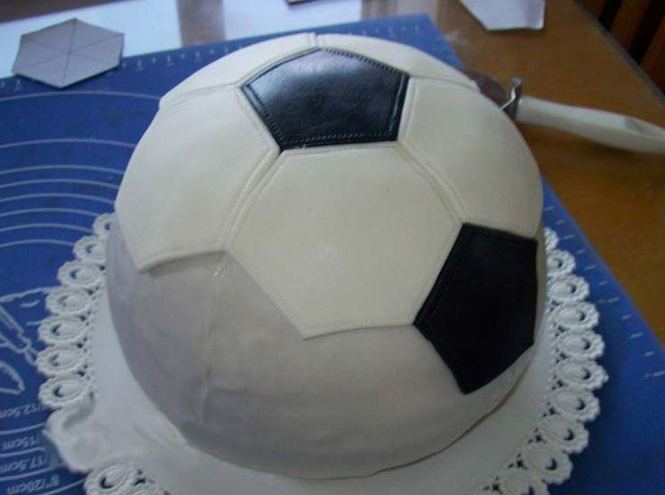 Торт в форме мяча фото