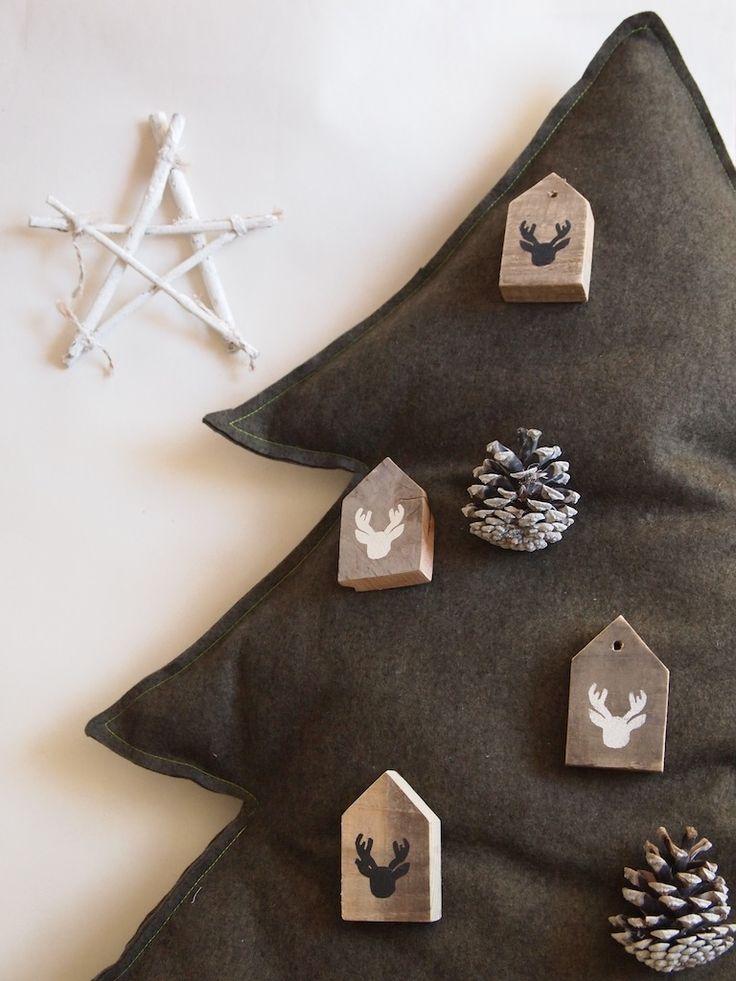De rendierhuisjes in de kerstboom... helemaal hip met kerst!