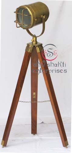 Vintage Design Tripod Lighting Searchlight  Item Code : N24-6586   Finishing : Brown Antique   Material : Aluminium & Timber Wood   Dimension : Full open height -98cm