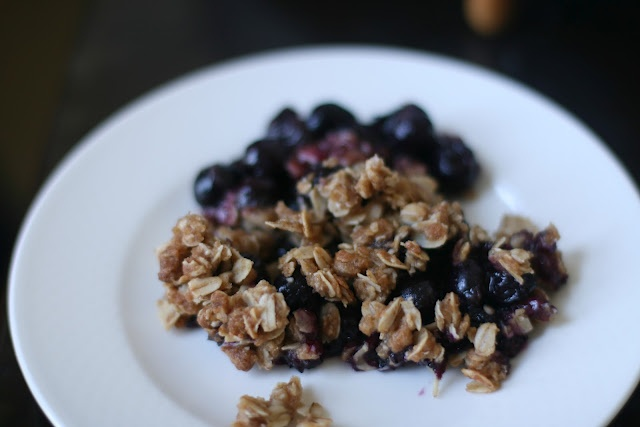 Vegan Blueberry Oatmeal Crisp