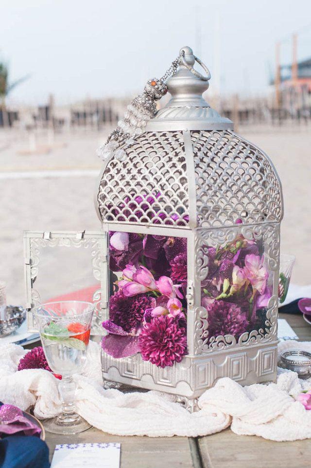 Marokkaanse kaarslichthouder gevuld met prachtige bloemen!