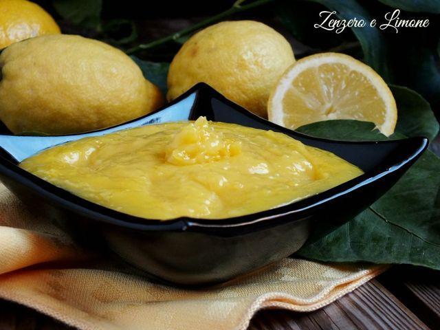 Quella che vi suggerisco oggi è una deliziosa crema al limone che potrete utilizzare per farcire le vostre crostate. È assolutamente da provare perché buonissima e renderà i vostri dolci davvero irres