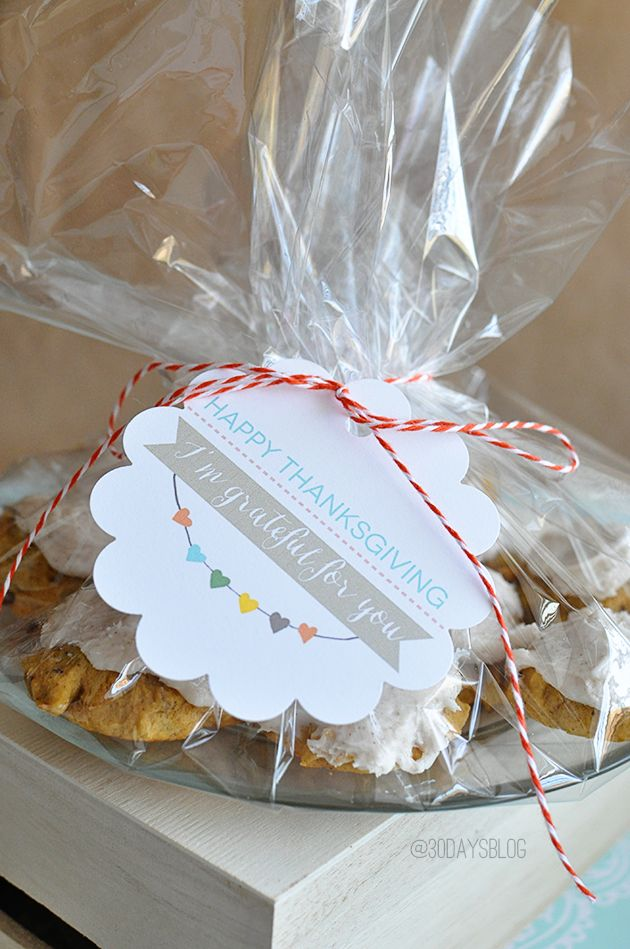 Printable Thanksgiving Tag and Frosted Pumpkin Cookies... Cute!
