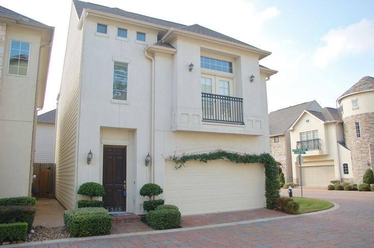 For Lease - $2750 Sherwood. Gated patio home. Zoned to Stratford High School! Houston TX 77043