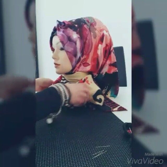 Turkish hijab style / Günlük esarp bağlama şekli  Email - lifestyleturban@gmail.com  Facebook: http://www.facebook.com/LifestyleTurban  Youtube:  www.youtube.com/user/LifestyleTurban  Blog:  http://www.hijabdesignbygulcin.blogspot.com  #hijabstyle #hijabdesign #hijaboutfit #tessetür #instafashion #amenaofficial #hijabstreetstyle #hijabis #annahHariri #tesettur #bloggerstyle #fashion #Hijabschmuck #hijabqueen #hijabis #makeuphijab #esarpmodelleri