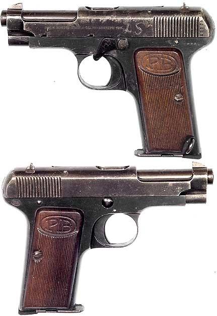 ITALIAN Model 1915 semiautomatic pistol Cal.32 ACP. Mfg. by Beretta in 1915. The very first Beretta semiauto.