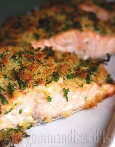 SAUMON GRILLÉ EN CROÛTE GREMOLATA ( mie de pain, ail, persil et citron )