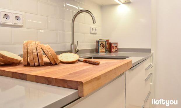 #proyectoalcaldedemostoles #iloftyou #interiordesign #barcelona #lowcost #catalunya #ikea #ikeaaddict #kitchen #ikeakitchen #veddinge #blanket #baldosametro #parquetvinilico #metrotile #silestone #grisexpo