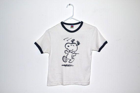 XS/S Retro Charlie Brown & Peanuts Gang dancing Snoopy by LTshirts