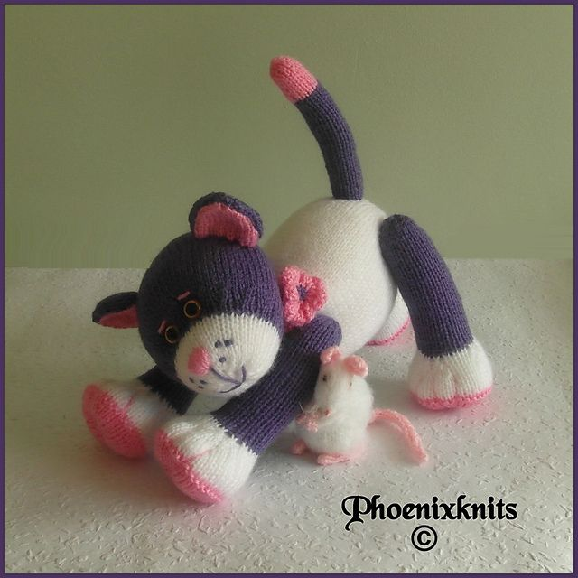 Ravelry: Kitkat and her mousey friend pattern by Phoeny