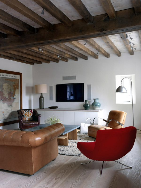 Rustic Living Room in London, GB by Marion Lichtig