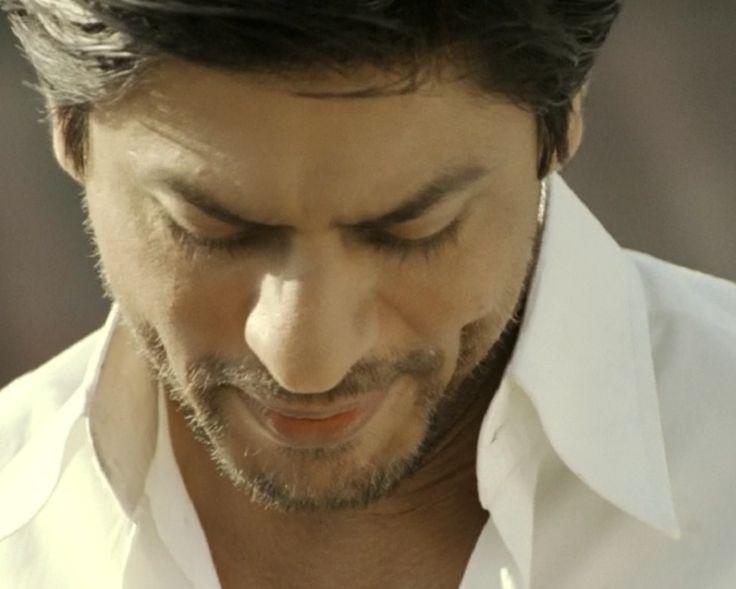 "[HQ Caps] Shah Rukh Khan [ @Omg SRK ] in film ""ChakDe! India"" (2007) #SRK #KingKhan uffff  pic.twitter.com/cWSlhzRGCj"