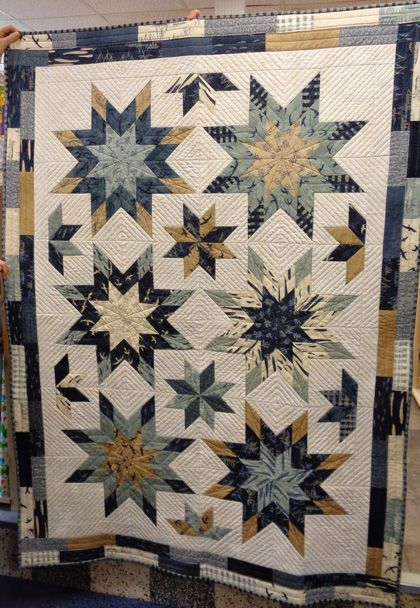 Blue Star Quilt - made by Sue Oakley in Hearty Good Wishes fabric