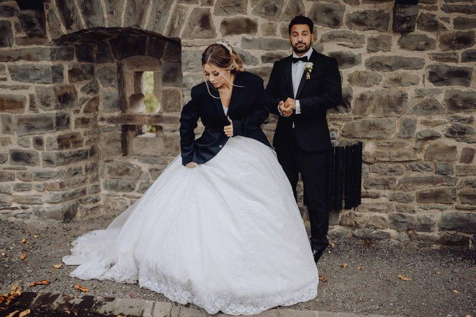Die Sinnliche Hochzeit Von Anna Und Alessandro Im Sauerland Brautpaar Hochzeit Braut