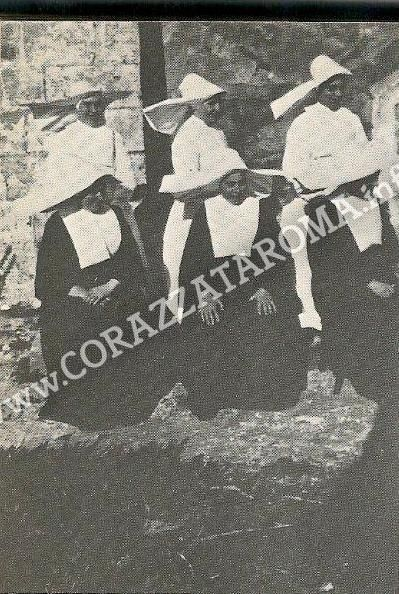 corazzata roma archivio storico giovan battista conti /  Suor Demetria - Mahonfoto di gruppo di suore appartenenti all Hijas de la caridad