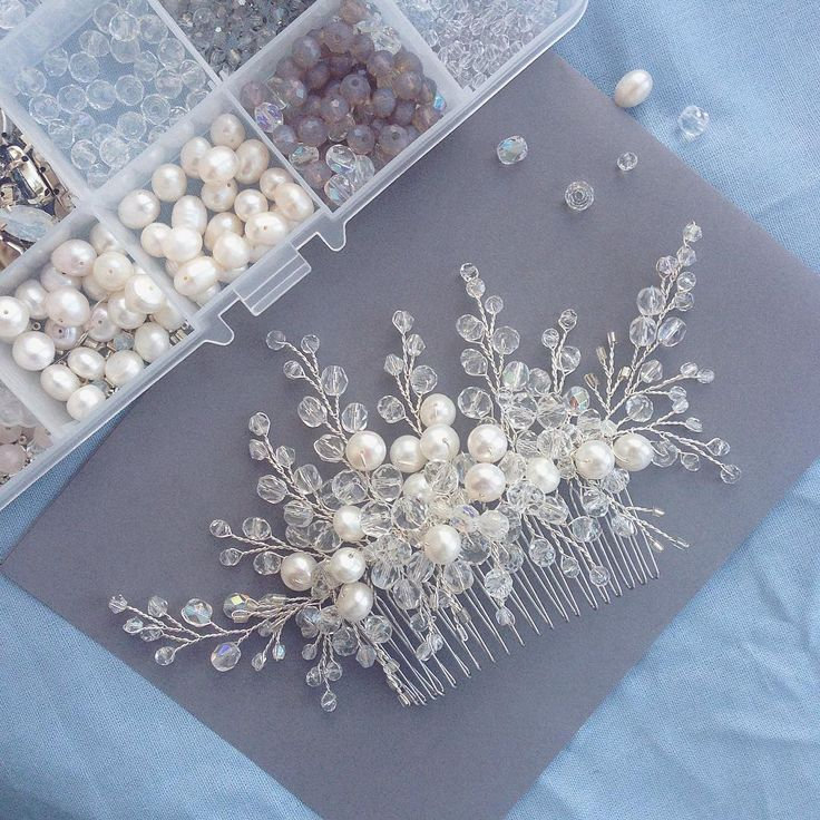 Красавчик #гребень с речным жемчугом   #haircomb #weddinghair #bridalheadpiece #weddingaccessories #свадьбаднепр #свадьбакиев