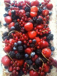 Bær smager fantastisk. Det har de altid gjort. Men nu er de hyper-moderne igen. De er supersunde og bliver kaldt…