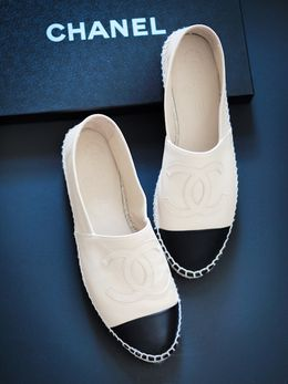 #Chanel #two-tone #espadrille