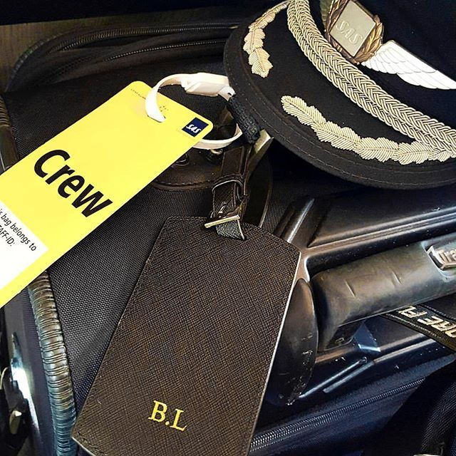 @bjornpilot shows us his black travel tag on his way to New York ✈️🗽 Get yours…